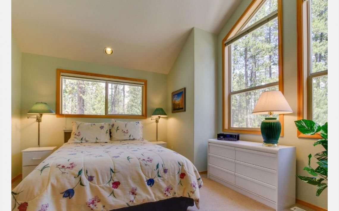 Photos of Filbert Lane 13 | Discover Sunriver. Sunriver, 97707, United States of America